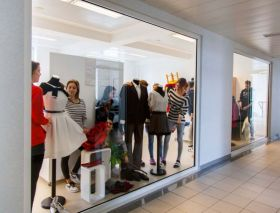 The Mall Schaufenster Textil